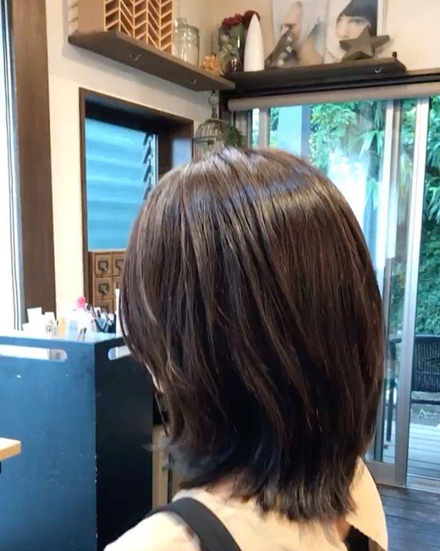 今月はお客様の移動が多いですね。新規の方新鮮な髪型に喜びあえる楽しさ^ ^#カット#ミディアムヘア